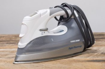 black & decker d2030 iron
