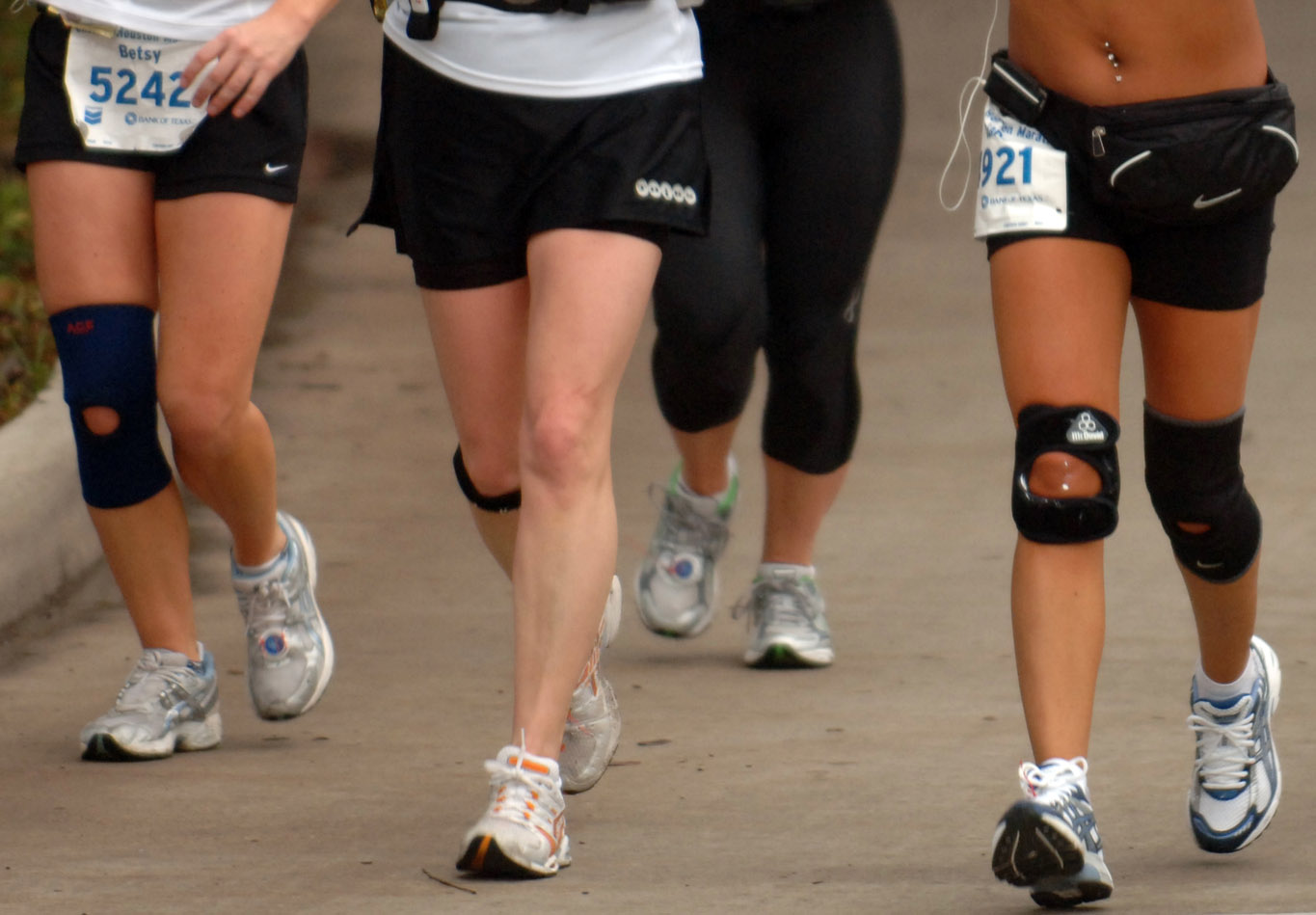 Should i Wear a Knee Brace While Running