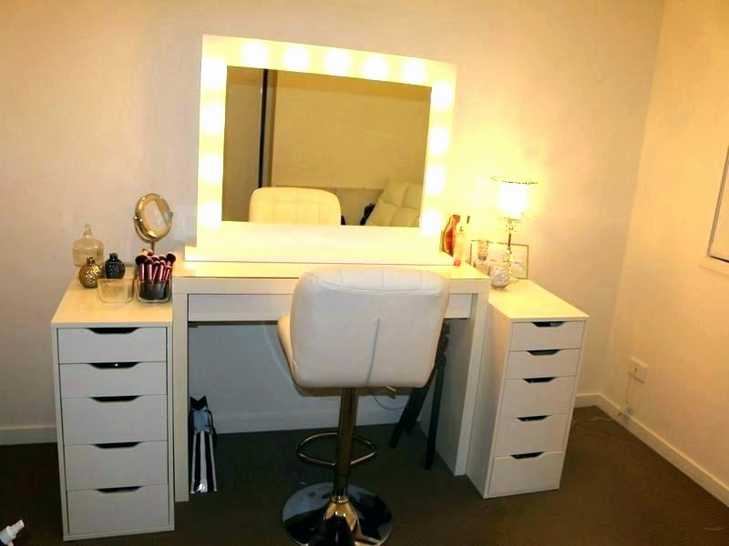 Vanity Table With Light up Mirror
