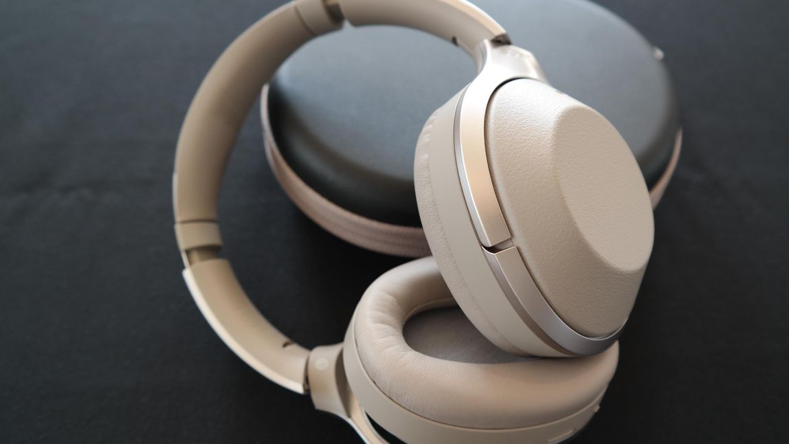 top 10 best buy bluetooth headphones near me comparison. Black Bedroom Furniture Sets. Home Design Ideas