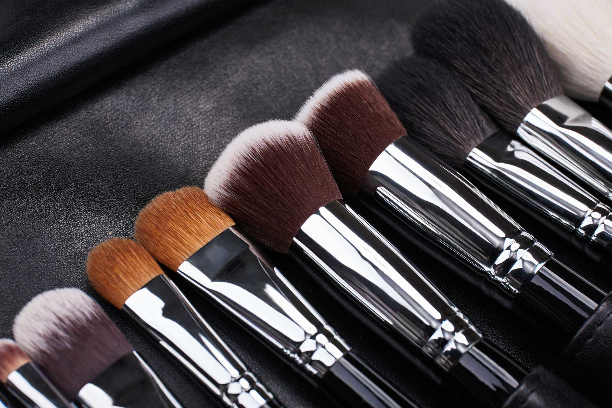 Buy Makeup Brushes online in Pakistan
