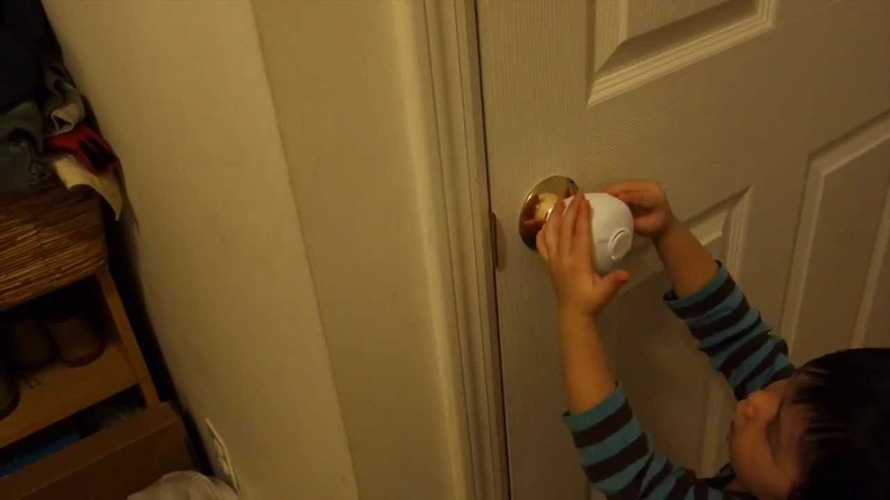 Mommy's Helper Door Knob Safety Cover Review