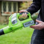 earthwise cordless leaf blower lb20024